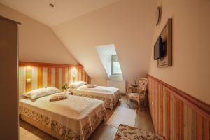 Rosi-14-es-szoba-013